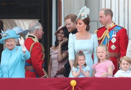 Diario Frontera, Frontera Digital,  FAMILIA REAL INGLESA, Farándula, ,El monumental enfado de la Reina Isabel II  por el desplante del Príncipe Harry y Meghan Markle