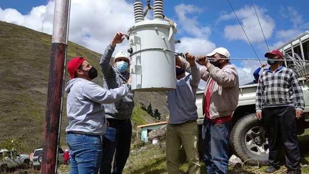 http://www.fronteradigital.com.ve/Jehyson Guzmán entregó transformador  en aldea Mucuchache del  municipio Rangel