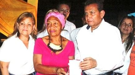 http://www.fronteradigital.com.ve/Gobierno regional rindió tributo con  orden post mortem a Doña Carmen Eugenia Herrera