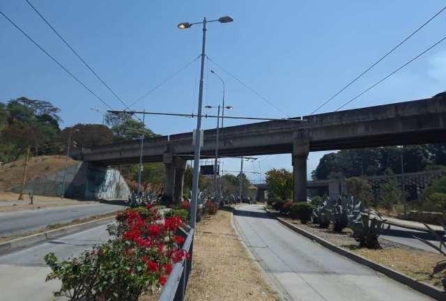 Diario Frontera, Frontera Digital,  TROLEBÚS, Regionales, ,Trolebús Mérida restituyó alumbrado en 2km  de vialidad y desmalezó su vía exclusiva