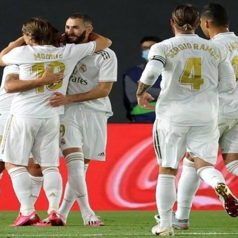 Diario Frontera, Frontera Digital,  REAL MADRID, Deportes, ,El Real Madrid a dos puntos del Barça tras vencer al Valencia