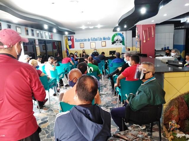 Diario Frontera, Frontera Digital,  AFEM MÉRIDA, FUTBOL AFICIONADO, Deportes, ,AFEMérida y delegados de clubes buscan reactivar el fútbol aficionado