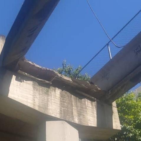 Diario Frontera, Frontera Digital,  CAE PASARELA, Sucesos, ,Desplome de pasarela en Caracas dejó un muerto y tres heridos