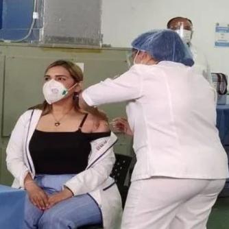 Diario Frontera, Frontera Digital,  PLAN DE VACUNACIÓN, Nacionales, ,Doctora del hospital Victorino Santaella,  primera en recibir vacuna contra COVID-19 en Venezuela
