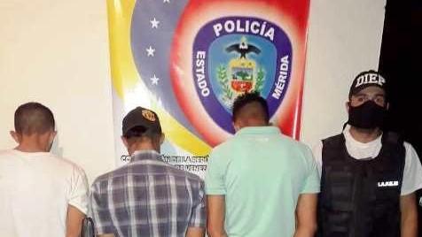 """http://www.fronteradigital.com.ve/DESMANTELAN LA BANDA """"LOS CALDERONES""""  CONFORMADO POR TRES CIUDADANOS EN LAGUNILLAS"""