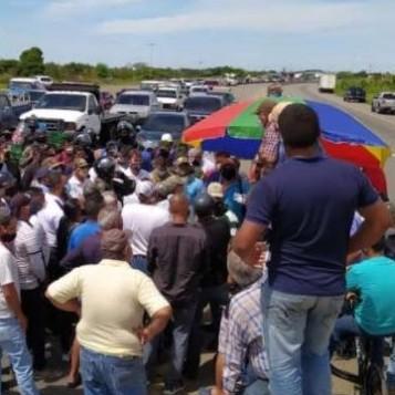 Diario Frontera, Frontera Digital,  PRODUCTORES AGRÍCOLAS, LOS LLANOS, PORTUGUESA, Nacionales, ,Productores trancan la autopista Los Llanos para exigir diésel