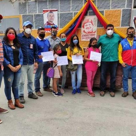 Diario Frontera, Frontera Digital,  SANTOS MARQUINA, Regionales, ,Jehyson Guzmán entregó 290 láminas de fibrocemento  para terminar cinco casas en Santos Marquina