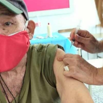 Diario Frontera, Frontera Digital,  vacunación, Salud, ,En la Unidad Educativa Rafael Antonio Godoy  continuó vacunación masiva para adultos mayores