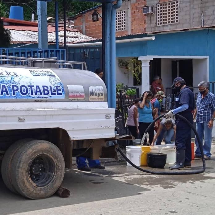 Diario Frontera, Frontera Digital,  ALCALDÍA DE MÉRIDA, LABOR HUMANITARIA EN EL VALLE DEL MOCOTÍES, Mocoties, ,Camión cisterna de la Alcaldía de Mérida  cumple labor humanitaria en Santa Cruz de Mora