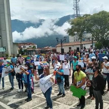 Diario Frontera, Frontera Digital,  LA AZULITA, PROTESTA DE PROFESORES, Panamericana, ,EDUCADORES AZULITENSES MARCHARON  Y PROTESTARON POR REIVINDICACIONES SALARIALES
