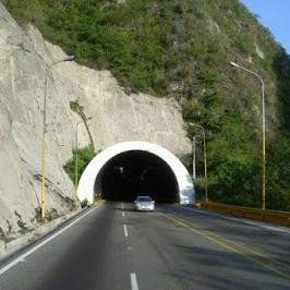 Diario Frontera, Frontera Digital,  TÚNEL SANTA TERESA, Regionales, ,Gobernación de Mérida inició recuperación del alumbrado en el túnel Santa Teresa