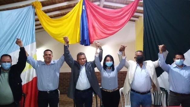 https://www.fronteradigital.com.ve/Ramón Guevara juramento y proclamó candidatos de la unidad en Zea