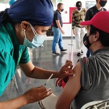 Diario Frontera, Frontera Digital,  TROMERCA, JORNADA DE VACUNACIÓN, Regionales, ,Jornada de vacunación se ofreció  en Trolebús Mérida para trabajadores y transportistas