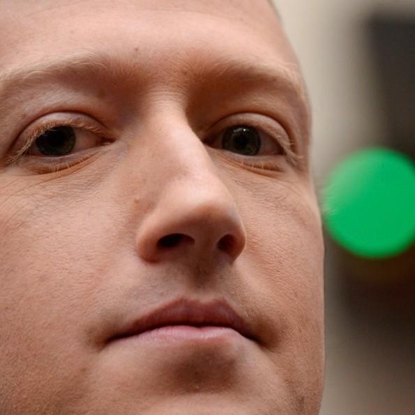 Diario Frontera, Frontera Digital,  Zuckerberg, Tecnología, ,Zuckerberg pierde 6.600 millones de dólares con las caídas de Facebook,  Instagram y WhatsApp y cae al sexto puesto de la lista de multimillonarios