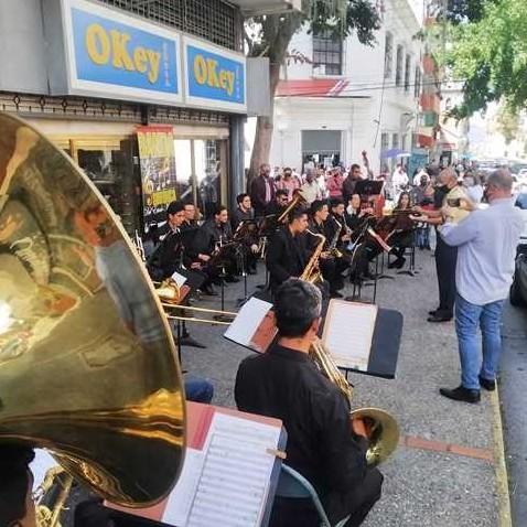 Diario Frontera, Frontera Digital,  RETRETA EN MÉRIDA, Entretenimiento, ,Banda Sinfónica de Mérida ofreció  retreta musical en casco central de la ciudad