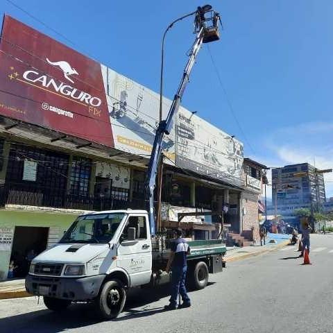 Diario Frontera, Frontera Digital,  ALCALDÍA DE MÉRIDA, ILUMINACIÒN, AVENIDA LAS AMÉRICAS, Regionales, ,Alcaldía de Mérida instala lámparas  desde el Yuan Lin hasta el Mercado Principal