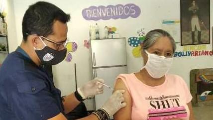 https://www.fronteradigital.com.ve/Merideños siguen recibiendo la vacuna contra la COVID-19