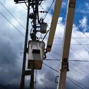 Diario Frontera, Frontera Digital,  LUMINARIAS EN SANTA CRUZ DE MORA, Regionales, ,Gobierno Bolivariano beneficia a más de 500 habitantes  con la instalación de luminarias en Santa Cruz de Mora