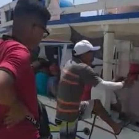 Diario Frontera, Frontera Digital,  BARCO A LÑA DERIVA, DON RAFA JUNIOR, Sucesos, ,Rescataron a dos personas que estaban en la embarcación Don Rafa Junior
