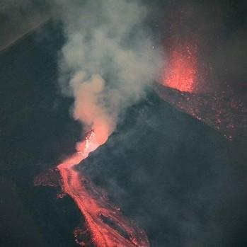 Diario Frontera, Frontera Digital,  LAVA LAS PALMAS, Internacionales, ,El volcán de La Palma -España- no está dormido:  Vuelve a expulsar lava tras una mínima tregua