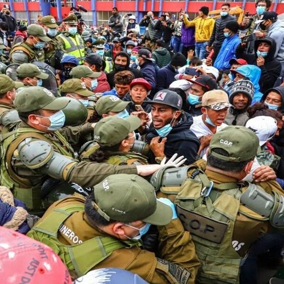 Diario Frontera, Frontera Digital,  CHILE, IQUIQUE, Internacionales, ,Masivo desalojo policial de inmigrantes  en una plaza del norte de Chile